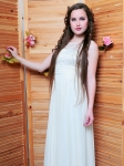 Студентка 2 курса Тульского колледжа искусств им. А.С. Даргомыжского. Эвелина является воспитанником вокальной студии «MUZZA» молодежного центра «Родина» с октября 2014 года. За этот период она активно участвует во всех мероприятиях центра. Участница конкурсов красоты и таланта регионального и федерального уровней. На конкурсе «Мисс студенчество-2015» стала обладательницей титулов «Мисс Энергия» и «Мисс Арсенал». Лауреат 2 степени проекта «Студенческая весна-2015».