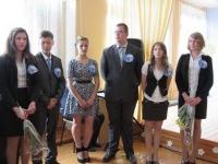 reg-school.ru/tula/yasnogorsk/denisovo/events/20150526_Posled_zvonok_04.jpg