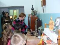 reg-school.ru/tula/yasnogorsk/revyakino/sobytiya/20141015_Shk_muzei_1-2_05.jpg