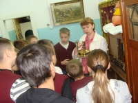 reg-school.ru/tula/yasnogorsk/revyakino/sobytiya/20141015_museum_7_04.jpg