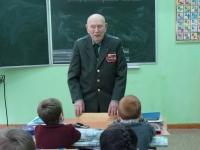 reg-school.ru/tula/yasnogorsk/revyakino/sobytiya/20150429vstrechasveteranomimage003.jpg