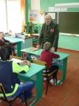 reg-school.ru/tula/yasnogorsk/revyakino/sobytiya/20150429vstrechasveteranomimage011.jpg