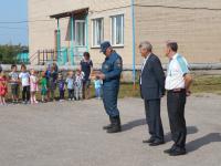 Пожарный ОП-12 Дубовик А.В. проводит тренировочную эвакуацию в МКОУ Придорожная СШ
