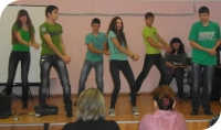 reg-school.ru/kaluga/ulyanov/zarechye/school-news/20141119_I_snova_KVN_01.jpg