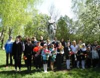 reg-school.ru/tula/arsenievo/yasenkovo/News/20140520_Den_pobedi_03.jpg