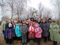 reg-school.ru/tula/arsenievo/yasenkovo/News/20141208_Den_neizv_soldata_03.jpg