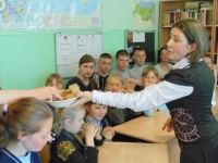 reg-school.ru/tula/arsenievo/yasenkovo/News/20150429_Ne_gasnet_pamyati_svecha_03.jpg