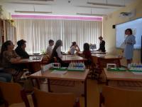 Урок биологии и химии проводят Г.Г. Лысова и О.В. Выборова