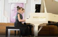 4 мая 2018 Белый рояль