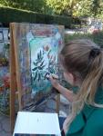 3 уч-ся6,7кл.пишут цветы на территории музея П.Н.Крылова
