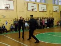 Учащиеся 11 класса, Выскребенцев Егор и Петренко Агнесса, танцуют зажигательный танец2