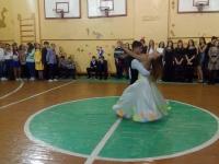 танцуют Матвеев Михаил и Ерёмина Эльвира